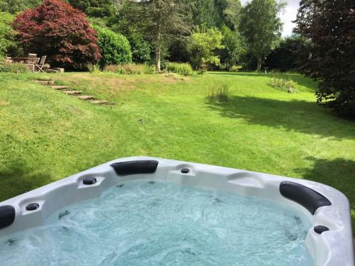 Large hot tub at holiday house